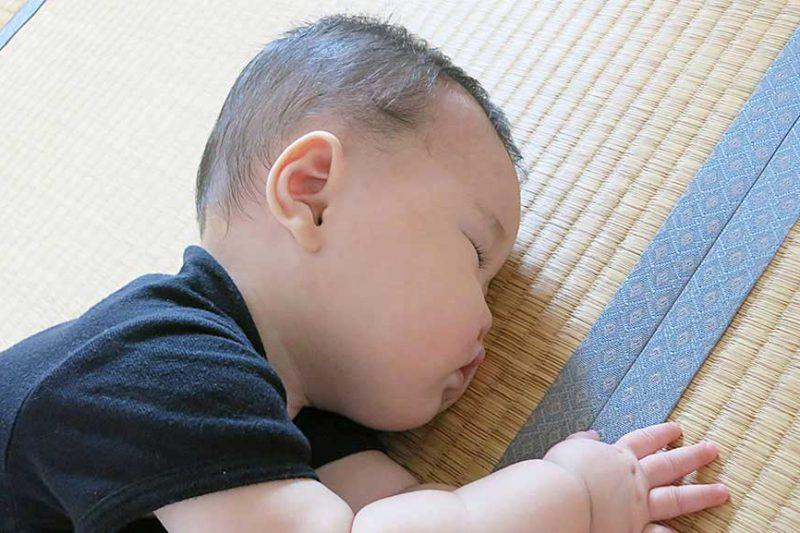 たたみ-赤ちゃん